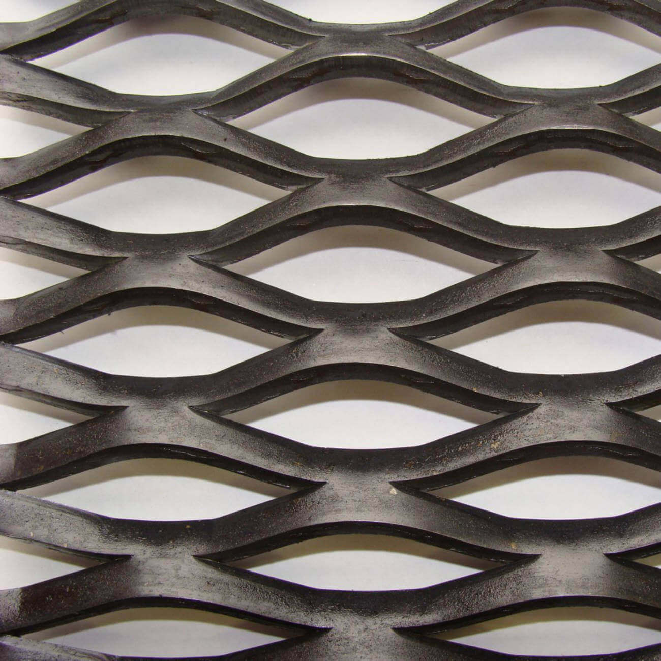 WK3022 Gridwalk Expanded Metal Sheet: 53 x 15mm Openings